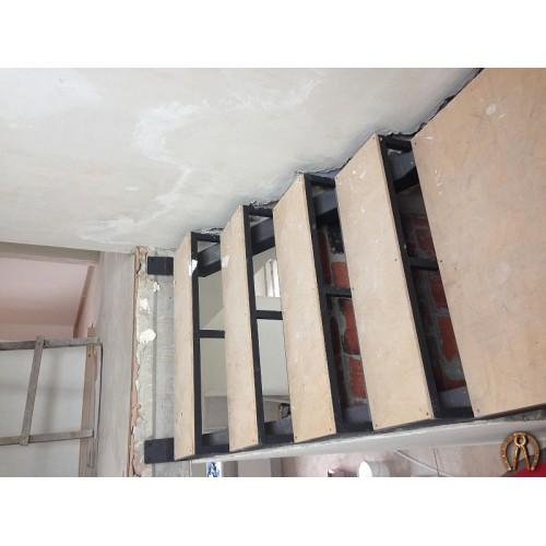 Металлокаркас лестницы 2 этажа