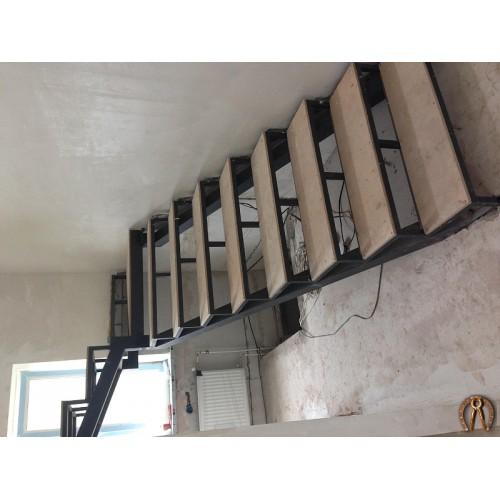 Металлокаркас лестницы 1 этажа