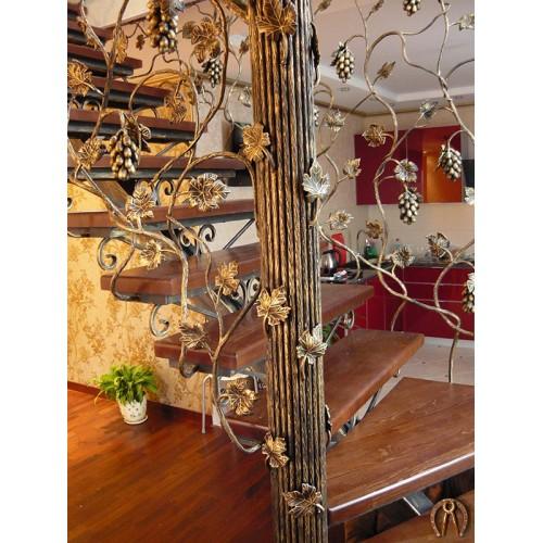 Кованые лестницы с деревянными ступенями по заказ