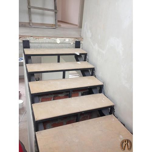 Металлокаркас лестницы - 2