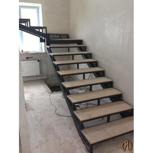 Металлокаркас лестницы - 1