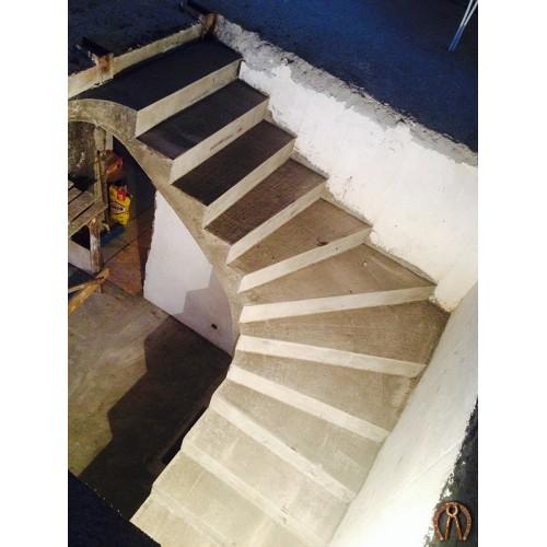 Монолитная лестница 10