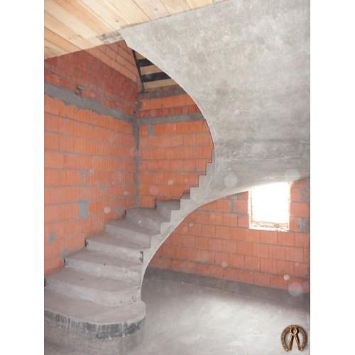 Монолитная лестница 1