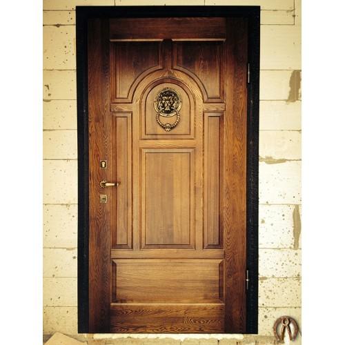 Стальная дверь с накладкой из массива ясени