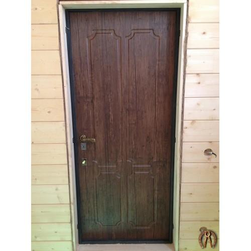 Двери металлические в деревянный дом 2