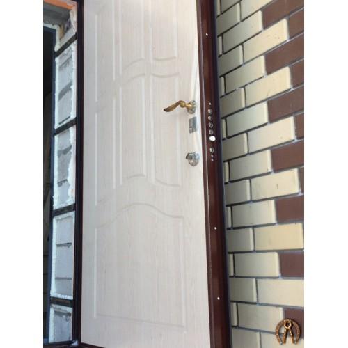 Стальная дверь с накладкой Лобаново