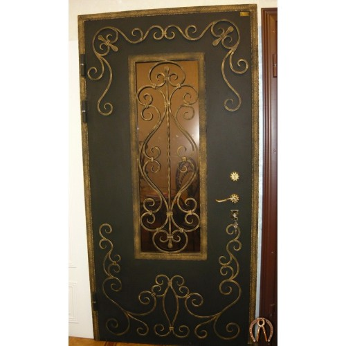 Стальная дверь с ковкой вид снаружи 1