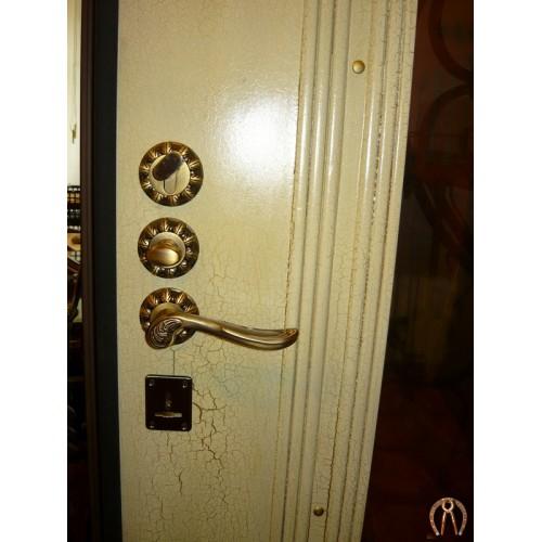 Стальная дверь фурнитура под старину