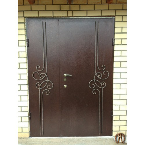 Двуполая стальная дверь с ковкой 3
