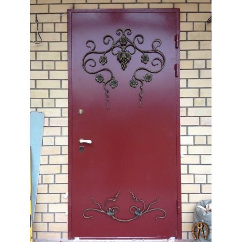 Дверь с виноградной лозой Курья