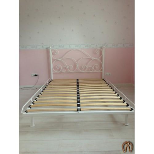 Кроватка в детскую