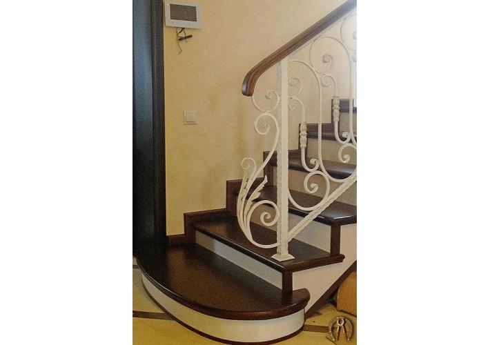 Лестница в дом под заказ