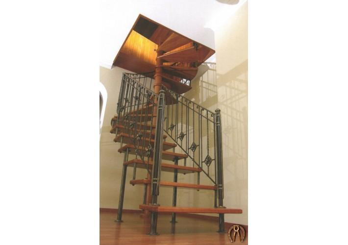 Лестница на больцах с деревяннми ступенями и ковкой