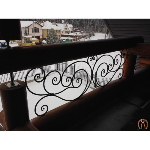 Кованые вставки для балкона в деревянном доме
