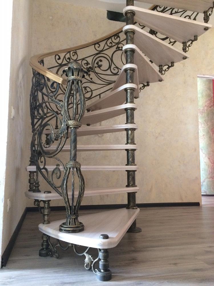 Кованые лестницы на мансарду фото